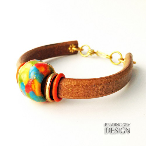Kazuri bead Regaliz leather bracelet